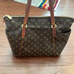 Louis Vuitton Totally MM, authentic, used and shows wear, rare